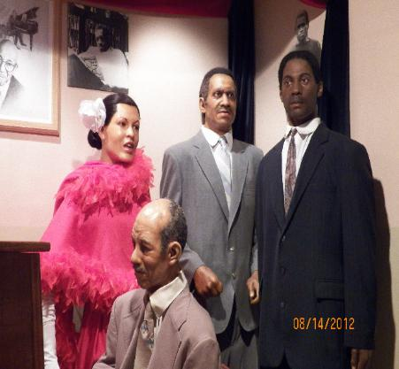 THE LAFAYETTE GARDENS: FAMILY REUNION LG STYLE |Wax Museum Baltimore Harbor